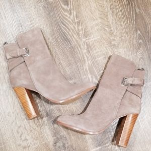 Dolce Vita taupe suede ankle boots size 9.5